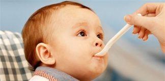 cho trẻ ăn gì khi bị sốt